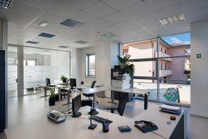 2021-02-Gamma-Service-Cleaning-Solutions-Pulizia-Ordinaria-Uffici-Vetrate-Scrivania